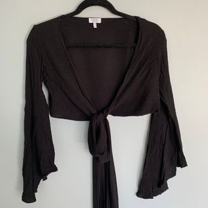 Long sleeve cropped tie shirt